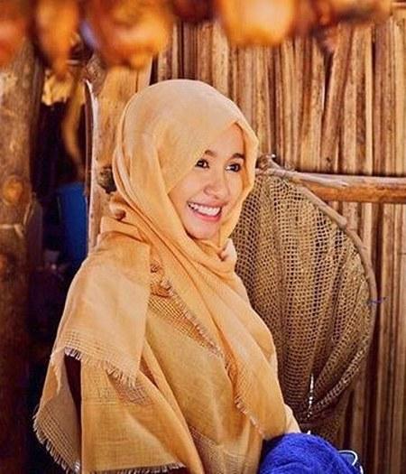Inspirasi dari Busana Hijab Laudya Cynthia Bella (9)