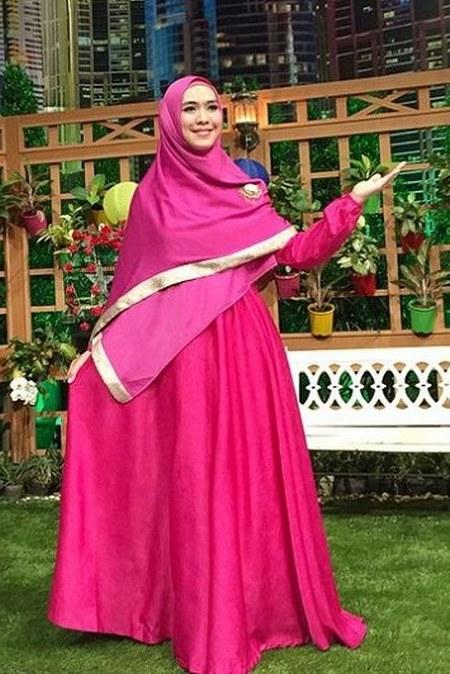 Model Baju Gamis Oki Setiana Dewi