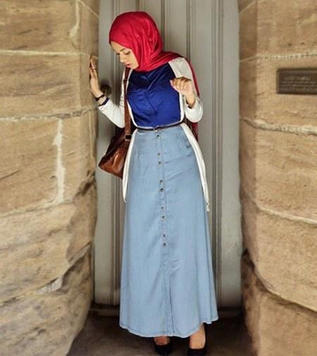 Gaya-padupadan-hijab-dengan-rok-jeans-a-line