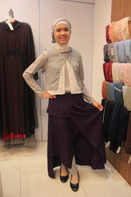 baju atasan dan rok asimetris trendi