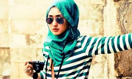 14833798026dian-pelangi-hijab-style-trends-2013_450x270