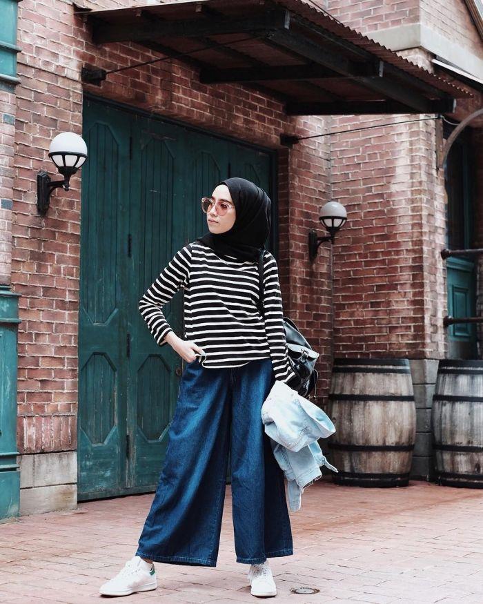 25405-8-style-selebgram-hijab-memakai-celana-kulot-panjang-cocok-untuk-mahasiswa