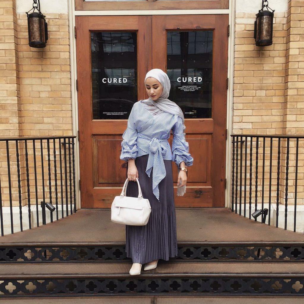 ootd_hijab_outfit_kantor_rok_lipit_blouse_balon-1024×1024